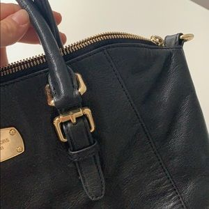Michael Kors Bags - Black Michael Kors Purse. Handbag & crossbody